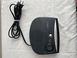 Philips AM-FM Alarm Clock Radio Model AJ3120/17 Sleep / Snooze 2.O1