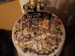 HUGE VINTAGE ESTATE RHINESTONE JEWELRY LOT 70