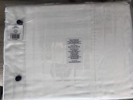 Brand new in packaging Sheridan king sheet set $75