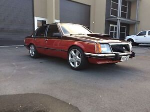 Holden VC SLE Commodore 355 Stroker T400 9 inch Diff Landsdale Wanneroo Area Preview