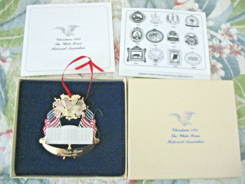 Official 1995 White House Christmas Ornament w/box, papers NOS