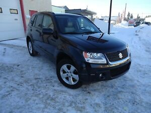 2010 Suzuki Grand Vitara 4WD, Heated Leather Seats, Sunroof, Pow