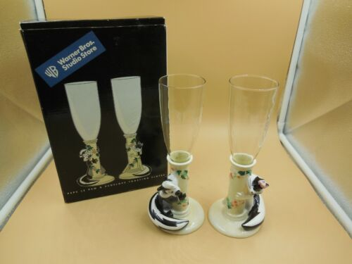 1999 WARNER BROS PEPE LE PEW & PENELOPE CHAMPAGNE TOASTING FLUTES WITH BOX