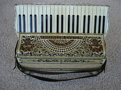 DALLAPE ANDERSON SYSTEM ACCORDION AND CASE