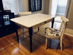 Restored vintage dining table / desk with 2 chairs