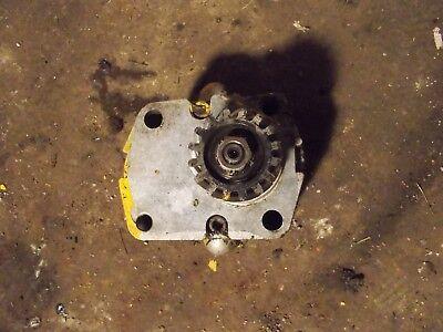 International 140 Ihc Ih Tractor Hydraulic Pump Assembly Drive Gear