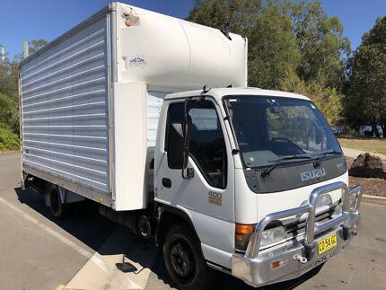 Isuzu NPR400 Bread truck furniture Pantech