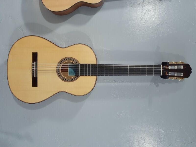 Carmen Loriente Flamenco Guitar