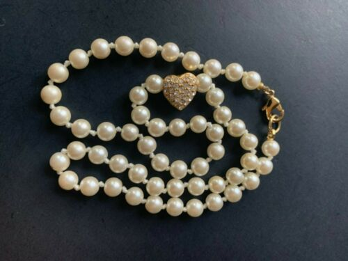 Vintage single strand pearl hand knotted choker necklace with crystal heart
