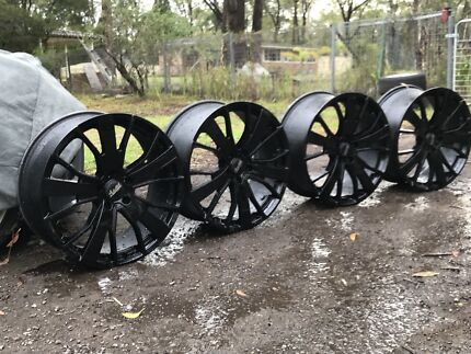Commodore/bmw wheels  Medowie Port Stephens Area Preview