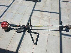 Honda 4 stoke whipper snipper 2016 gx25