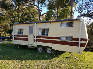 Family caravan with 2 sets bunks - Great condition, very roomy Belmont North Lake Macquarie Area Preview