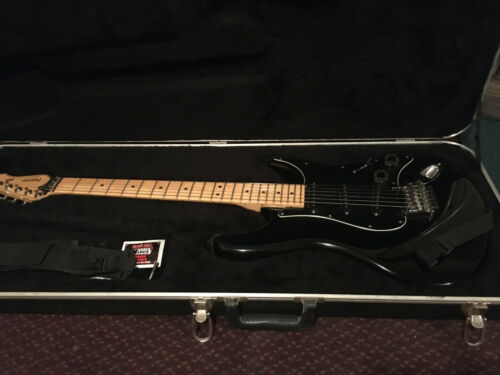 Peavy Falcon black with Hard Shell Case