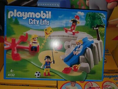 Playmobil 4132 Park With Skate Boarders New