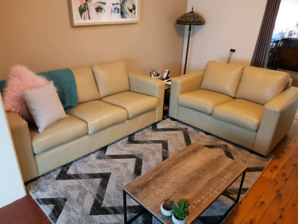 Leather Lounge 3+2 seater