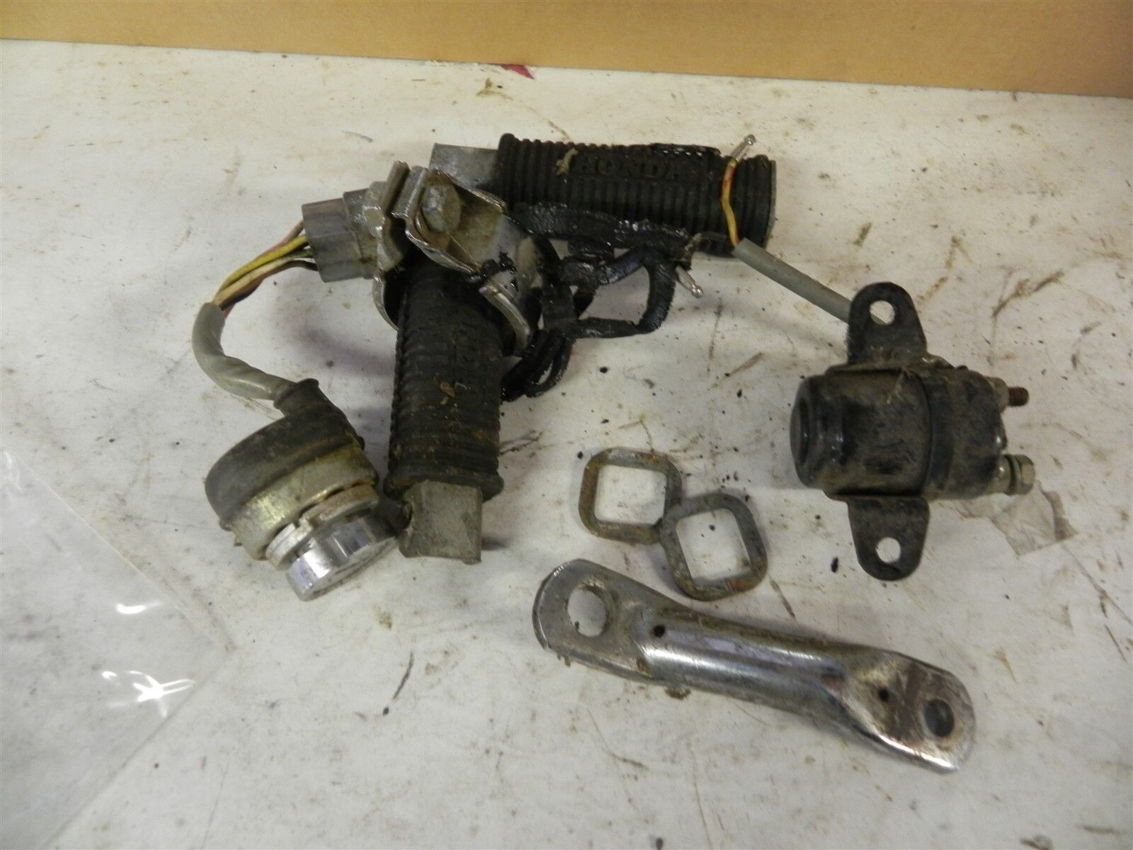 1970S VINTAGE HONDA MOTORCYCLE PARTS LOT ANTIQUE USED PEDAL PEGS SWITCHES  CHROME See Photos Below For Details.