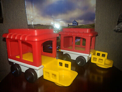 Vintage Lot of 2 Circus Train Caboose 1991 Fisher Price Little People