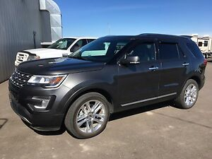 ALMOST NEW 2017 FORD EXPLORER