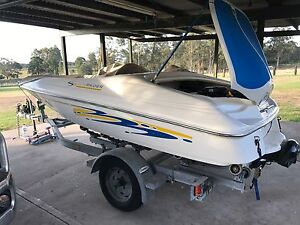Sunrunner Mercruiser V6 oRunabout $7000ono Sawyers Gully Cessnock Area Preview