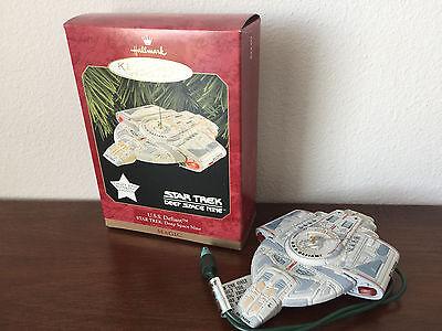 1997 Hallmark Keepsake Ornament Star Trek Deep Space Nine Magic U.S.S Defiant