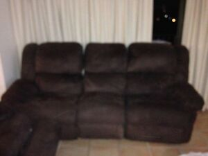 5 SEATER LOUNGE CHOCOLATE BROWN Surfers Paradise Gold Coast City Preview