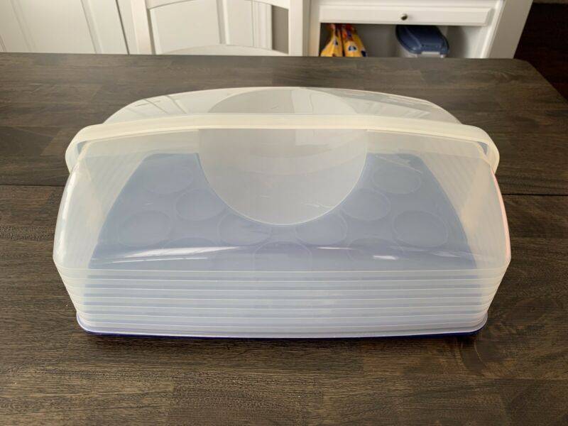 "Tupperware Rectangular Cupcake Cake Taker Carrier 9"" X 13"" Blue Sapphire"