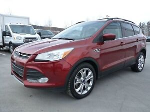 Ford Escape SE, Traction intégrale, Bluetooth, Toit panoramique
