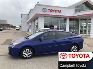 2016 Toyota Prius Technology--NAV--MOON ROOF--HEATED LEATHER