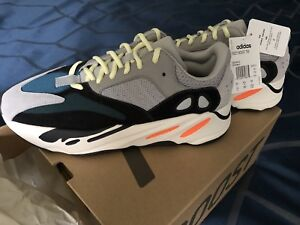 Yeezy boost 700 Size 10US