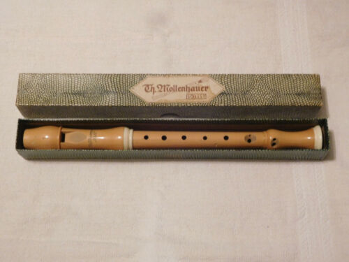 """Vintage Mollenhauer Soloist Soprano Recorder with rings; 12"""""""