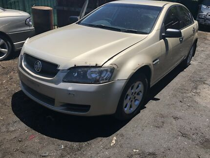 Wrecking 2007 Holden Ve commodore