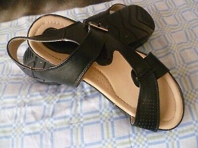 """chaussures """"noir  pointure 39/ neuves jamais portées"""
