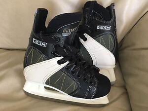 CCM skates size 4 Like new