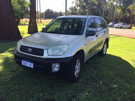 2000 Toyota RAV4 MANUAL SUV $2750 ( PERFECT FOR THE BACKPACKER! )