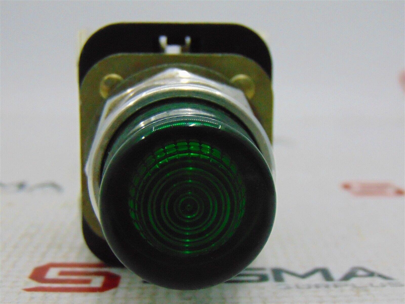 Allen-Bradley 800T-QB24 Green Illum. Pushbutton Ser T w/ 800T-XA Block Ser D