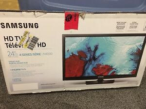 "Samsung Smart TV 24"" Almost New"