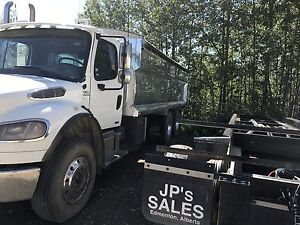 2009 freightliner 20 ft grain & silage box