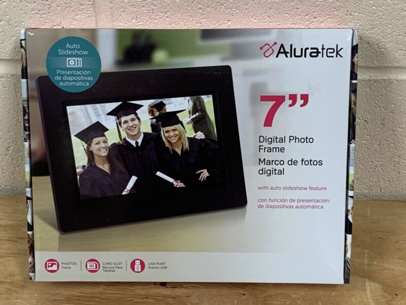 """ALURATEK 7"""" Digital Photo Frame with 16GB SDHC card. NEW in Box"""