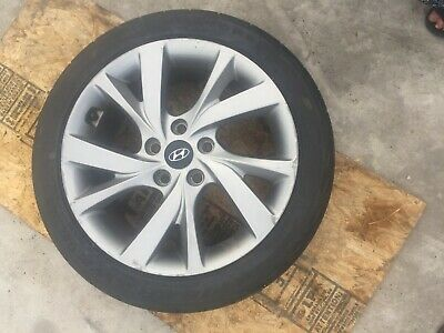 Wheels Tires W/ Rims Hyundai Veloster 16-17  215/45R 17 OEM