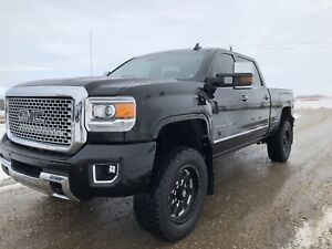 2016 GMC SIERRA 2500 DENALI **LIFTED DURAMAX**