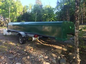 18 foot square back canoe