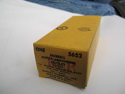 Hubbell Duplex Grounding Outlet Cat. 5652 3 Wire 15a 250v