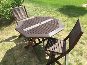 Patio table set patio table chairs good condition