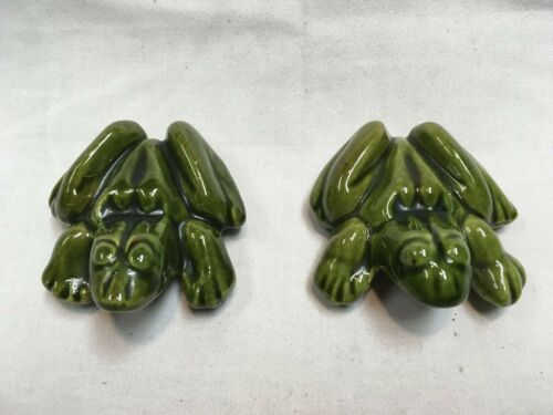 2 VINTAGE RISQUE NAUGHTY ANATOMICALLY CORRECT GREEN CERAMIC FROG FIGURES