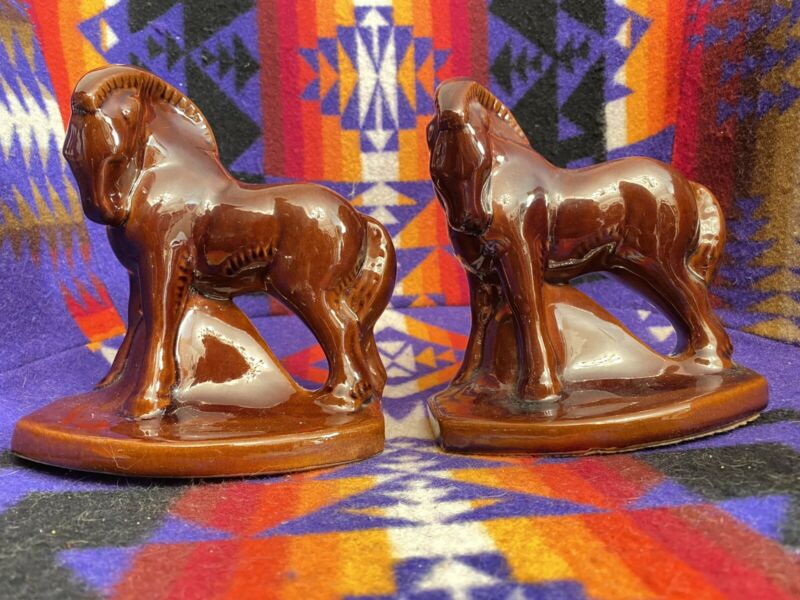 FRANKOMA CHARGER HORSE BOOKENDS Osage Brown on ADA Clay