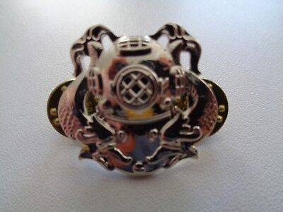 (A37-1380)  US First Class Diver Badge Chrom