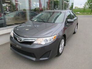 2014 Toyota Camry LE Toit, Mags
