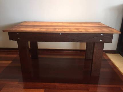 INDOOR / OUTDOOR COFFEE TABLE (FREE DELIVERY)