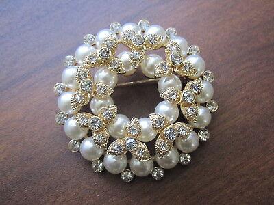 Crystal Zirconia Brooch (Royal Baroque Pearl Flower Wreath Brooch Pin Cubic Zirconia Crystals 14K Gold  )