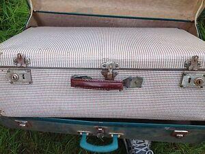 Vintage suitcases Salisbury Downs Salisbury Area Preview